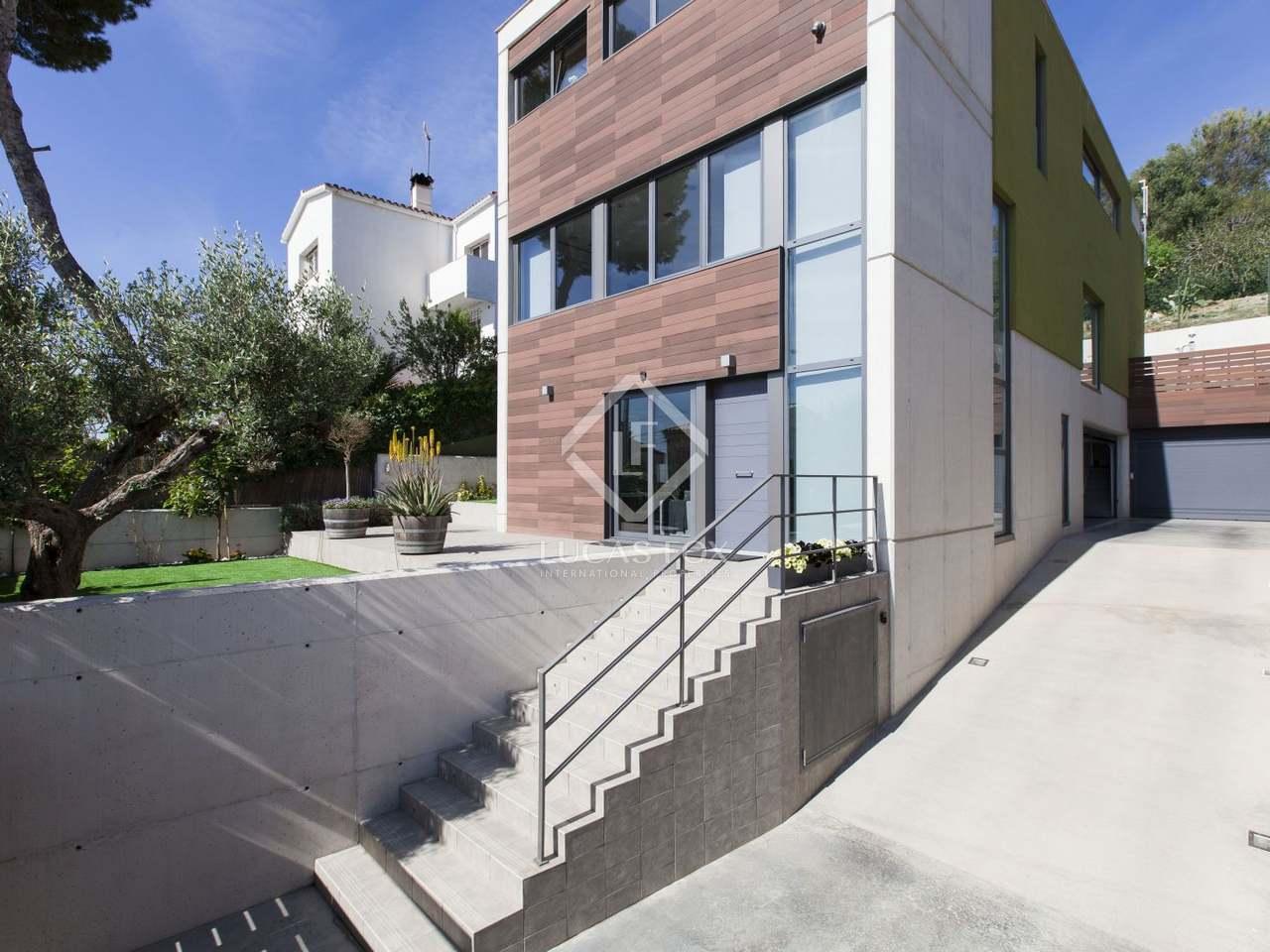 maison villa de 351m a louer castelldefels barcelone. Black Bedroom Furniture Sets. Home Design Ideas