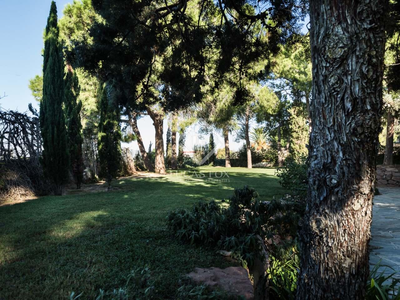Maison villa de 1 197m a vendre godella rocafort for Jardin anglais caracteristiques
