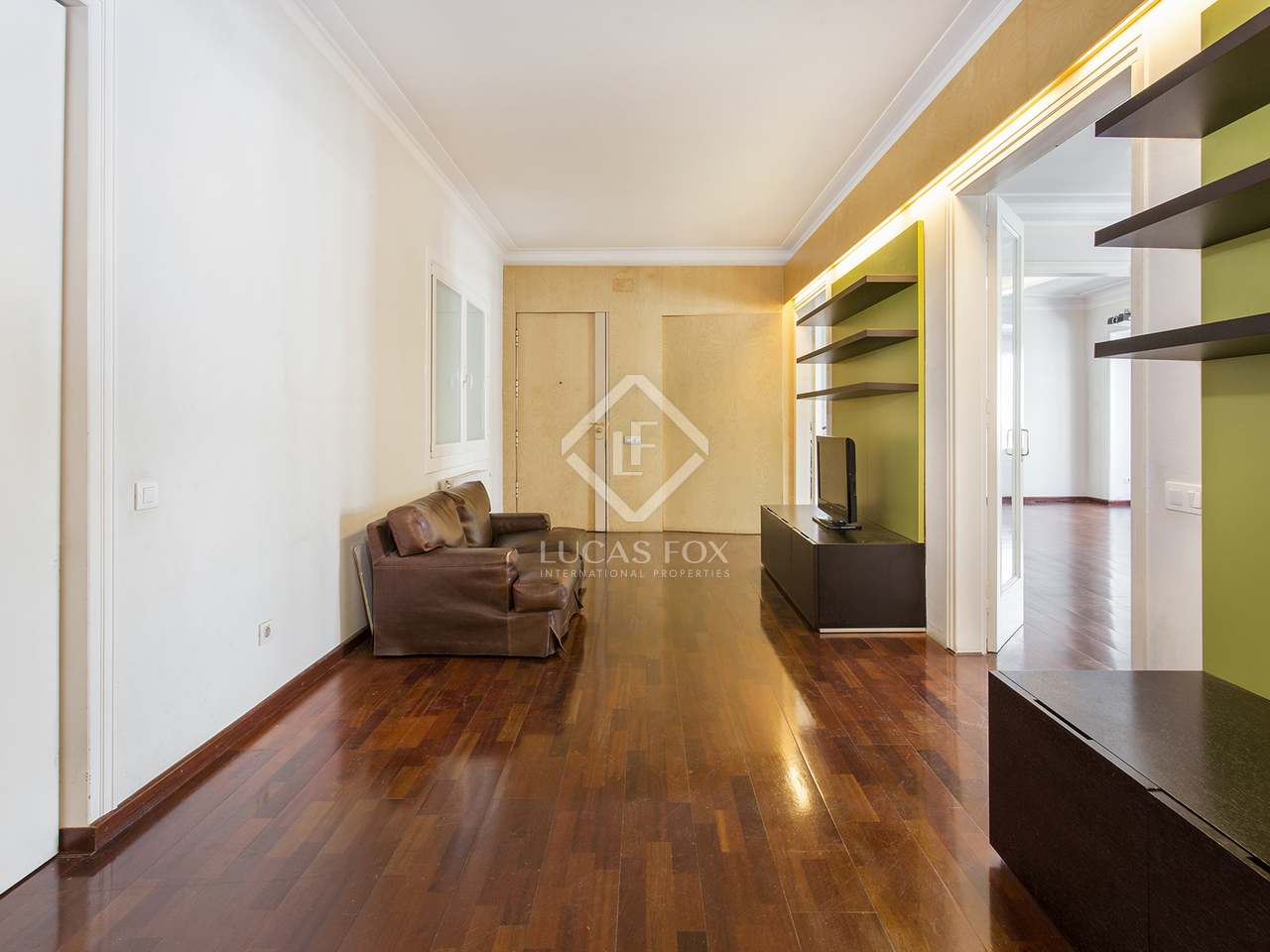 Spacious 5 Bedroom Apartment For Sale In The Heart Of Galvany