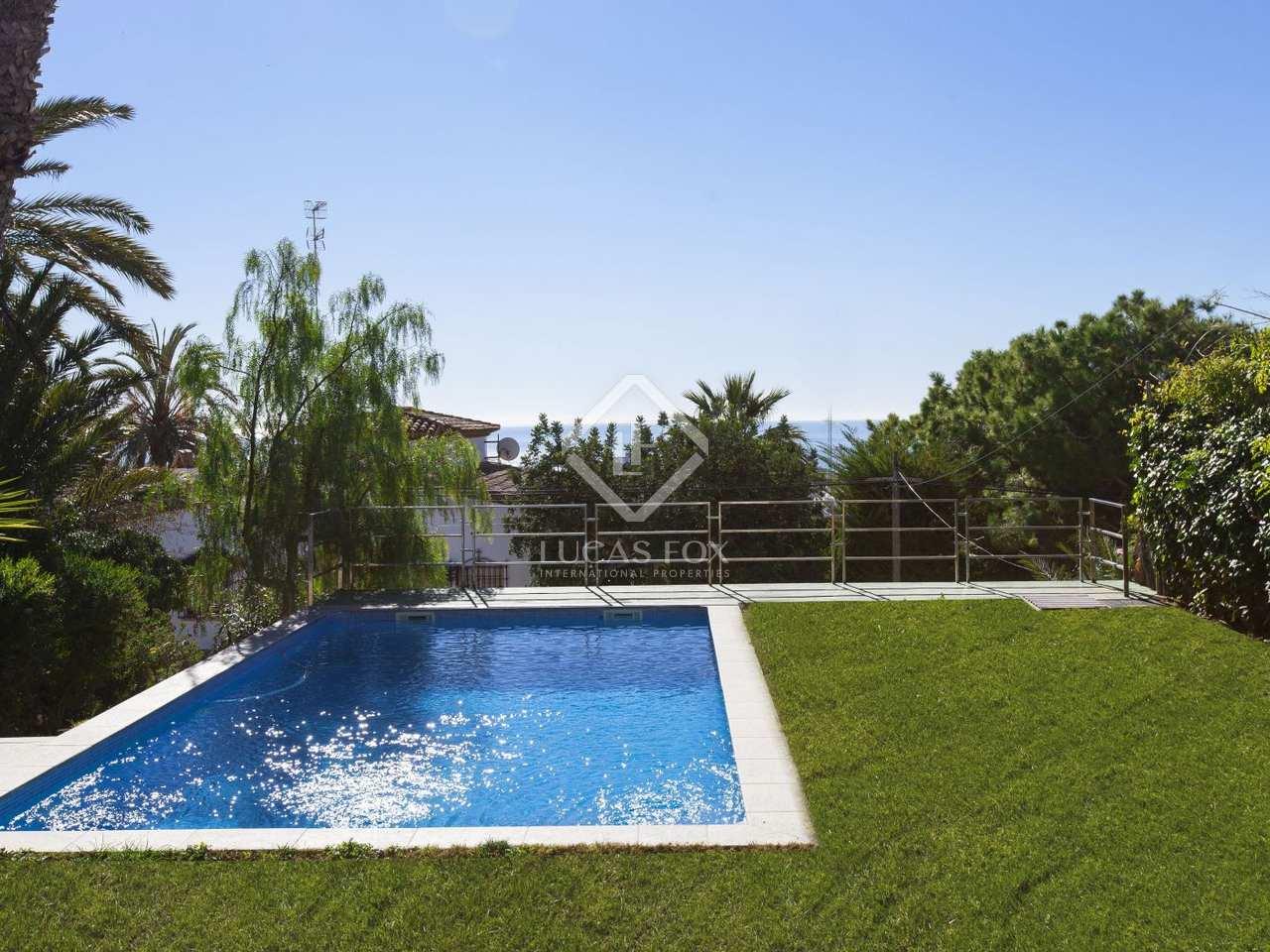 Maison villa de 350m a vendre vallpineda avec 400m for Jardin anglais caracteristiques
