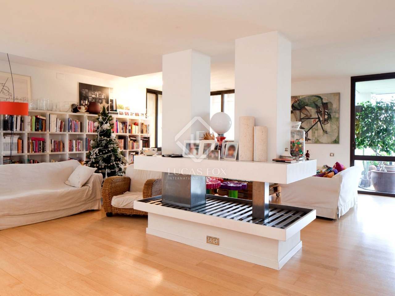 Luxury 4-bedroom apartment to buy in Turo Park, Barcelona
