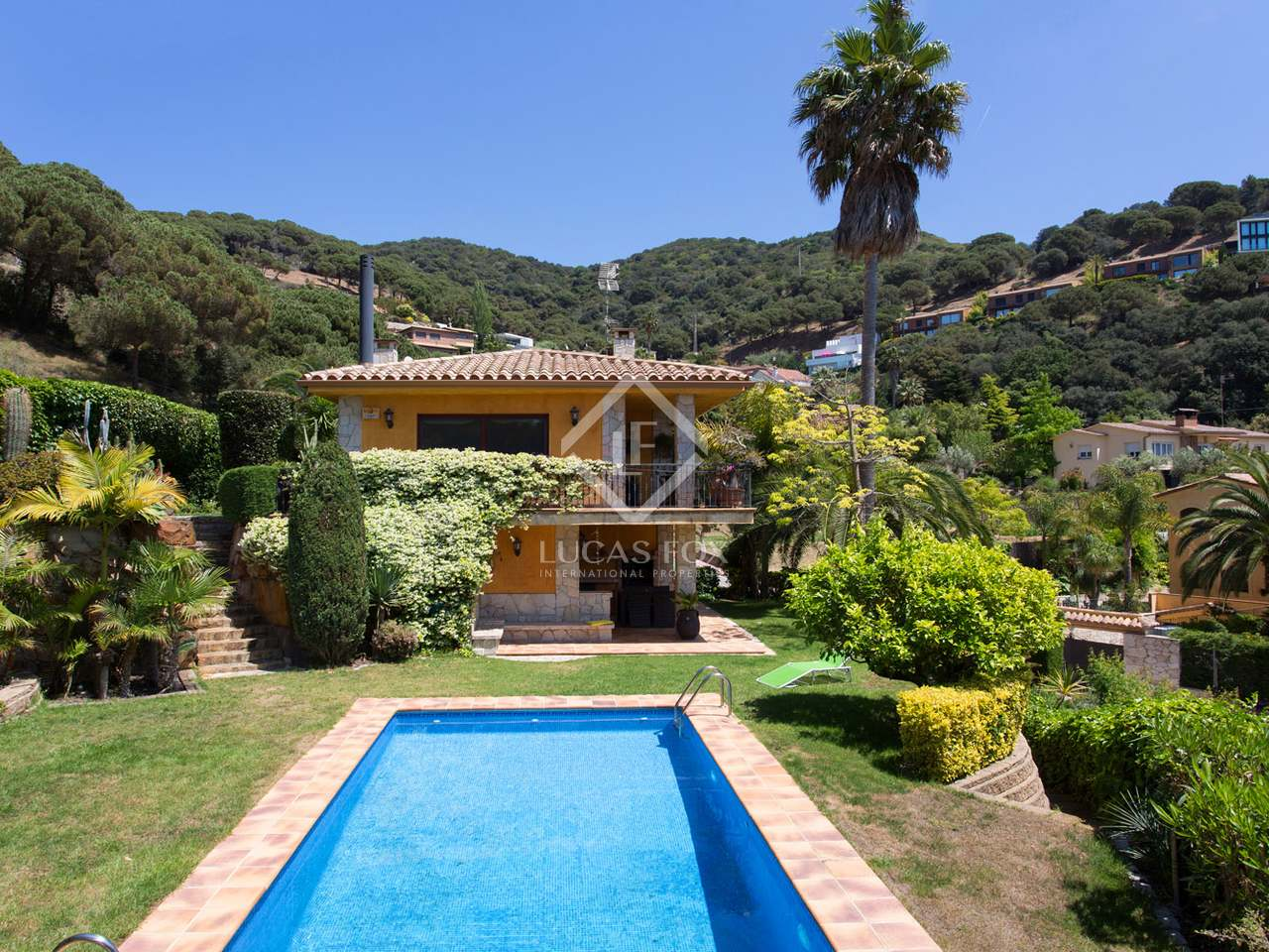 5 Bedroom Villa With Garden And Pool For Sale In Cabrils