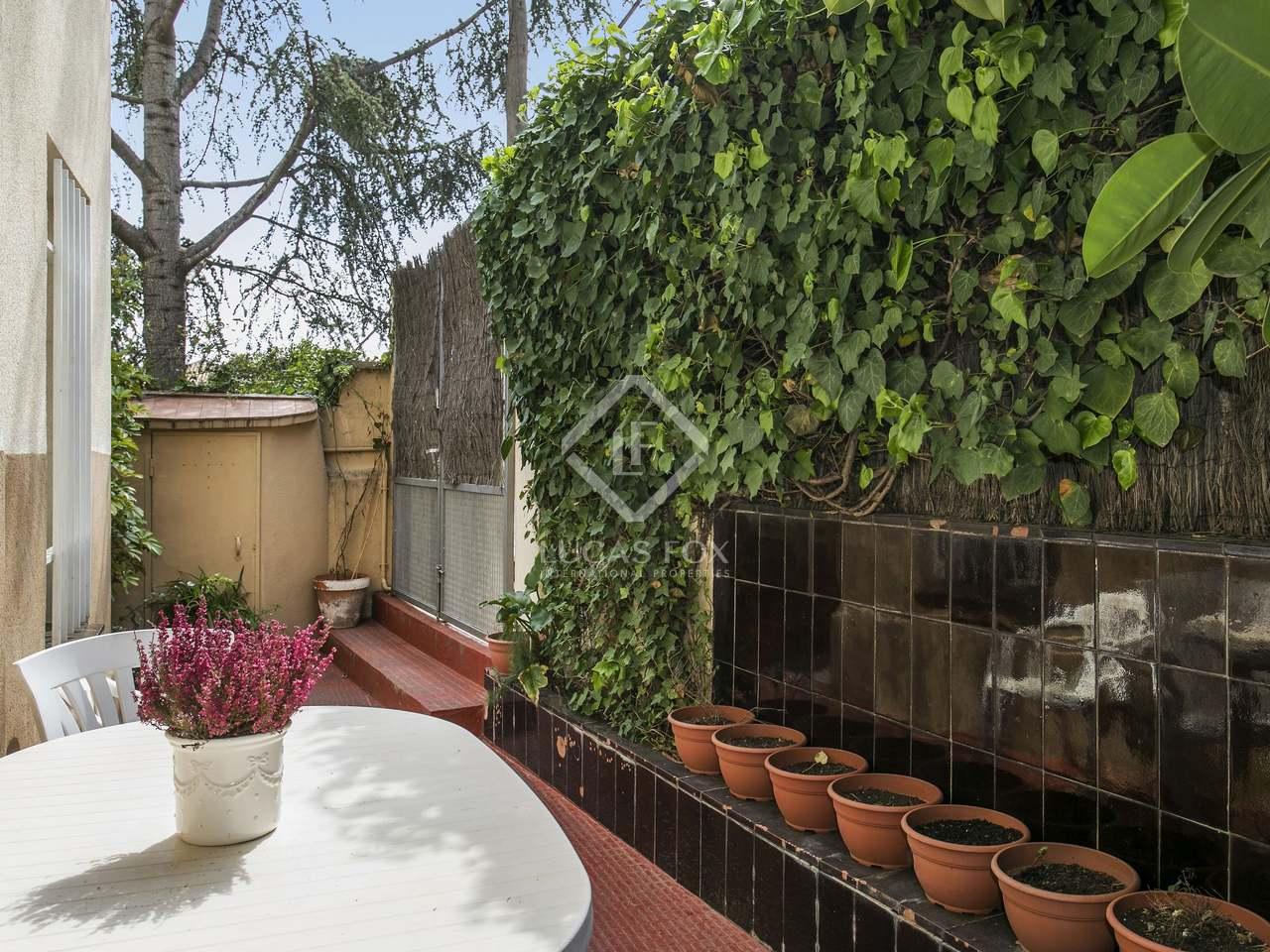 Casa con jard n y terraza a reformar y en venta en sarri for Casas con jardin y terraza