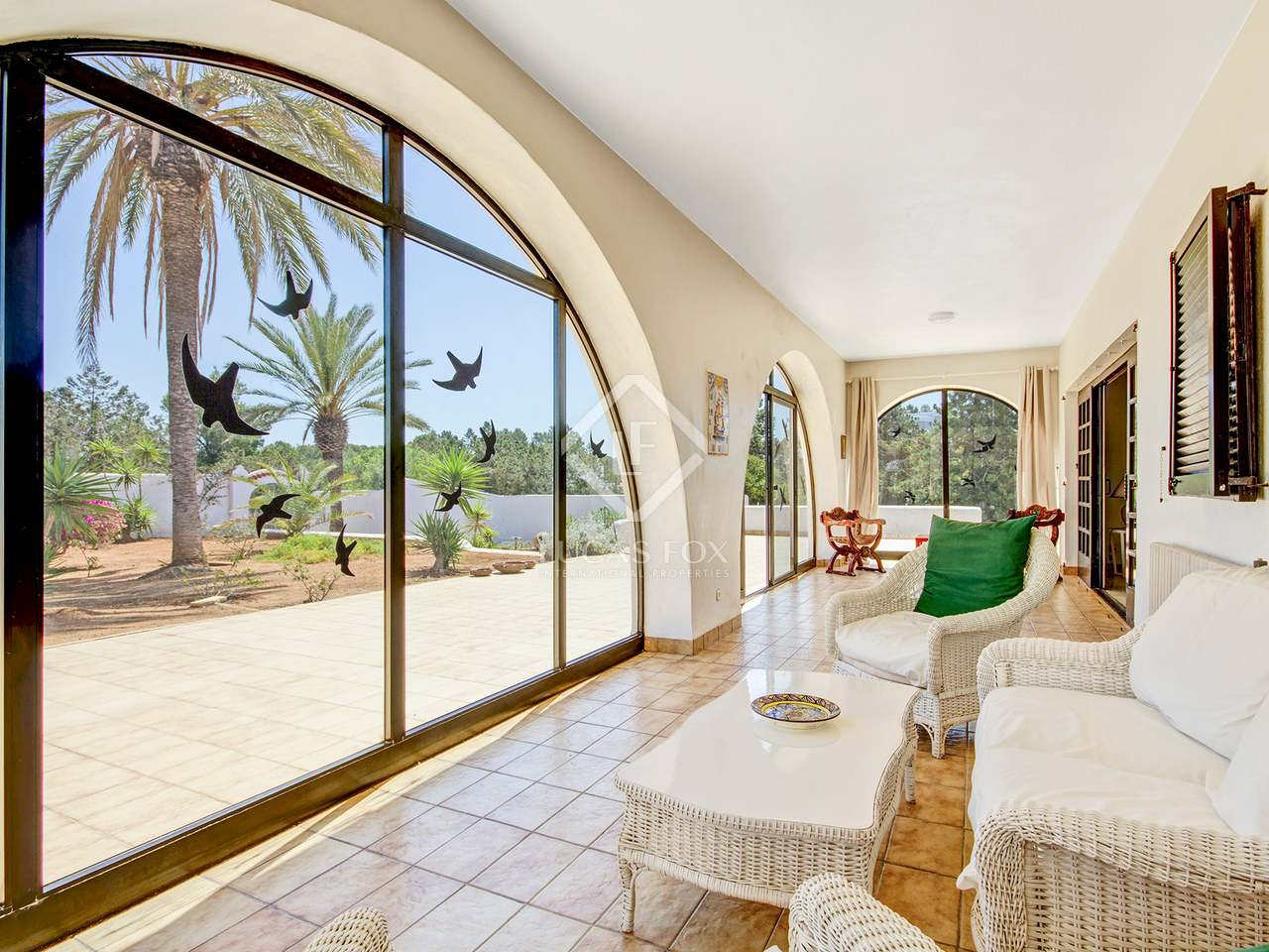 4-bedroom beachfront villa for sale in Port D\'es Torrent