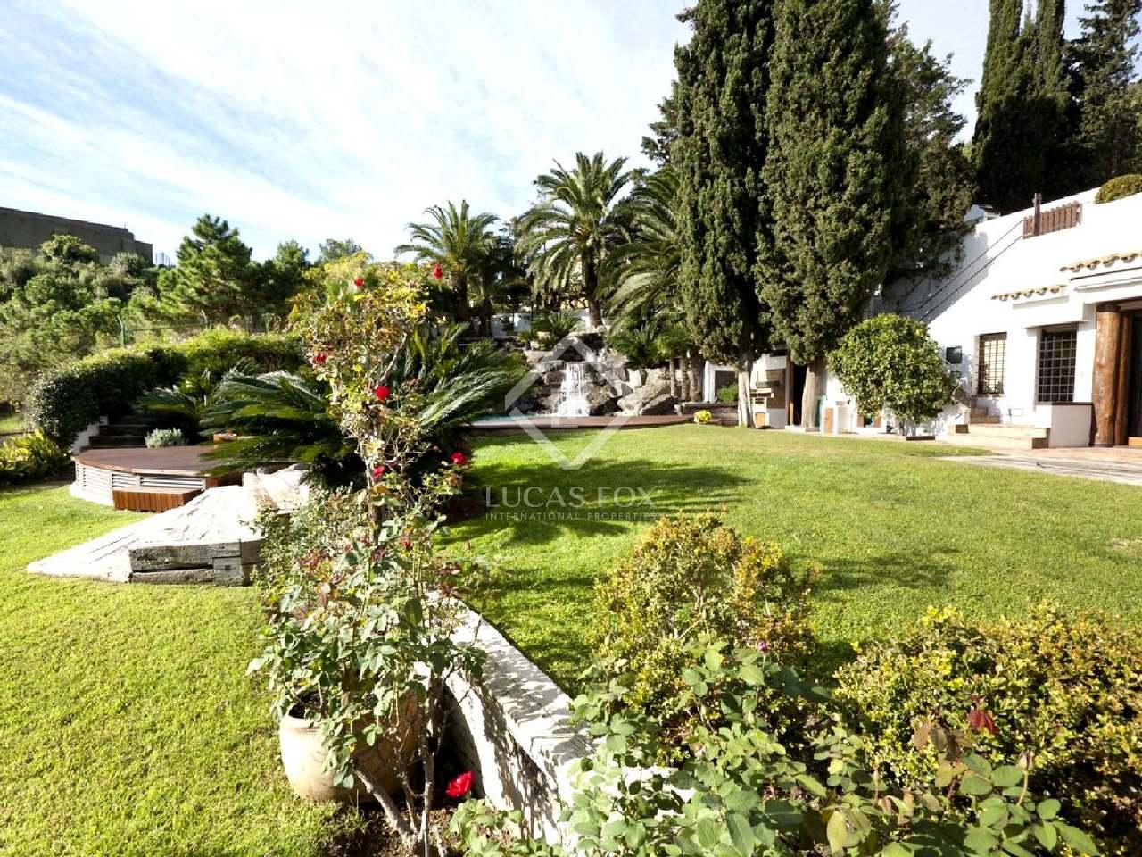 Casa de lujo en alquiler en pedralbes barcelona zona alta for Alquiler casa jardin barcelona