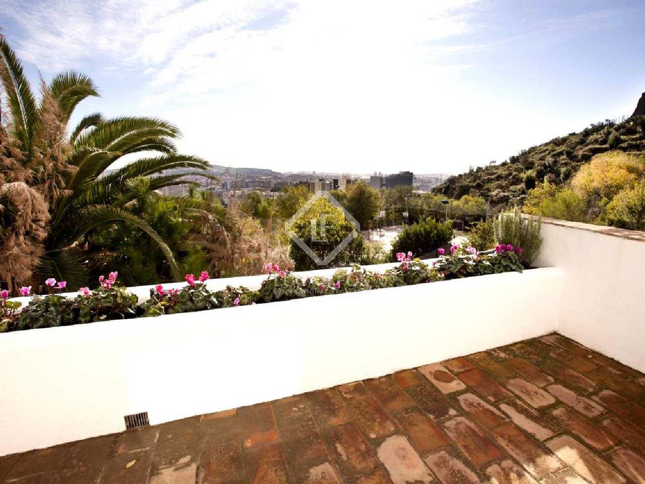 Casa de lujo en alquiler en pedralbes barcelona zona alta for Casa con jardin barcelona alquiler