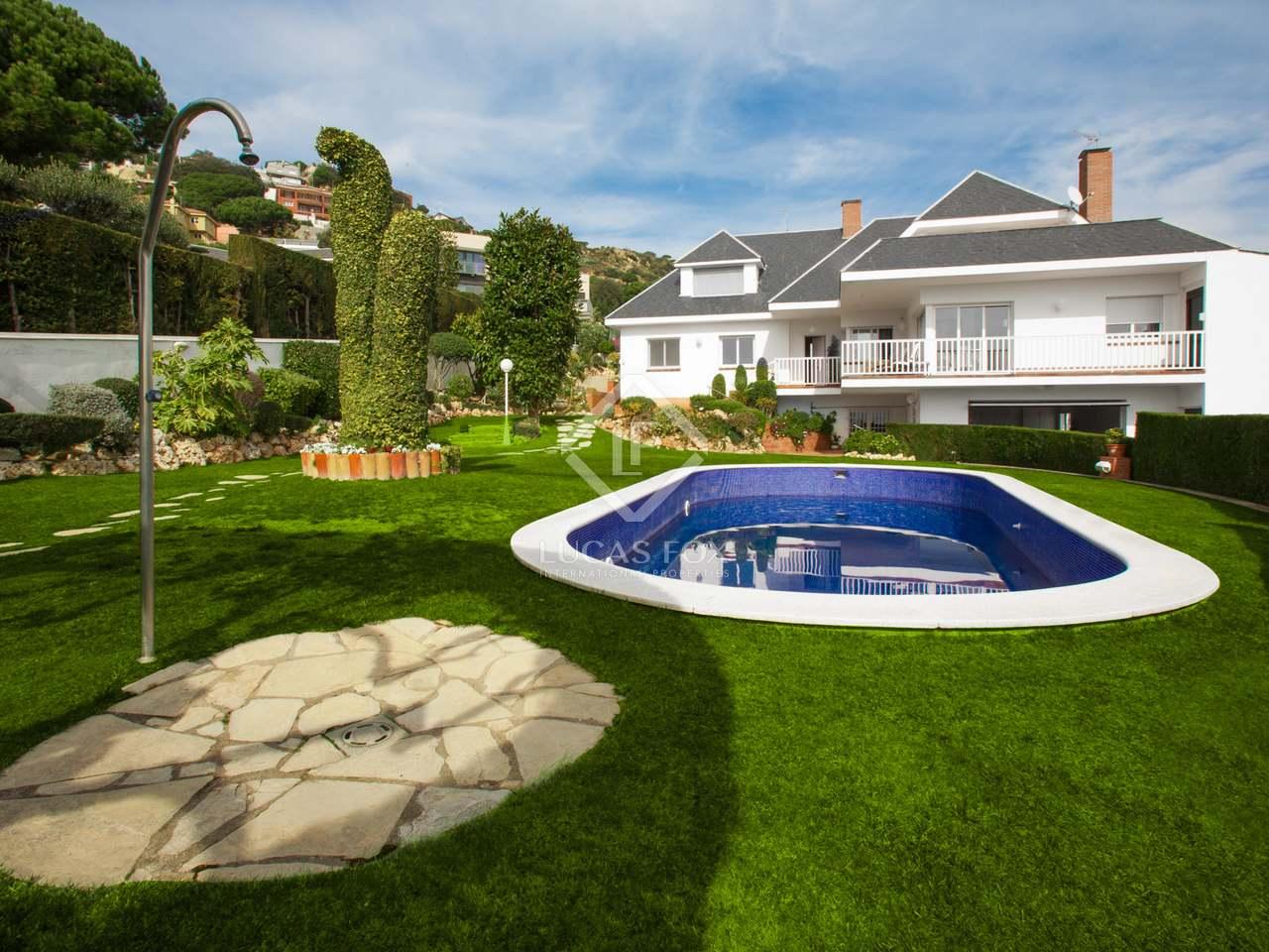 Espaciosa villa en venta en mas ram tiana - Casa jardin badalona ...