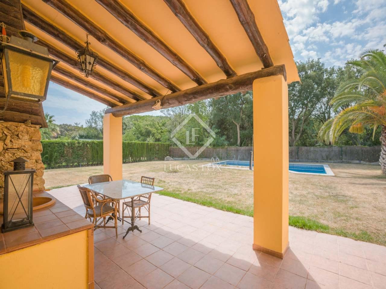 Villa con piscina en venta en mont ras cerca de palafrugell Villa jardin donde queda