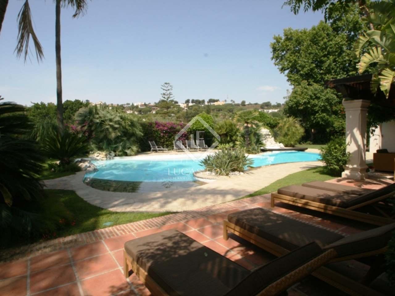 695m haus villa mit 235m terrasse zum verkauf in nueva. Black Bedroom Furniture Sets. Home Design Ideas