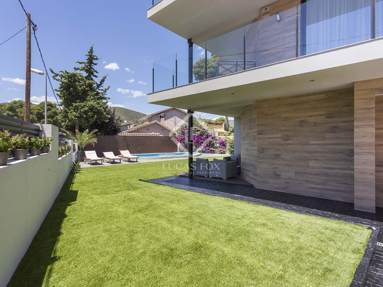 262m haus villa mit 142m terrasse zum verkauf in castelldefels. Black Bedroom Furniture Sets. Home Design Ideas