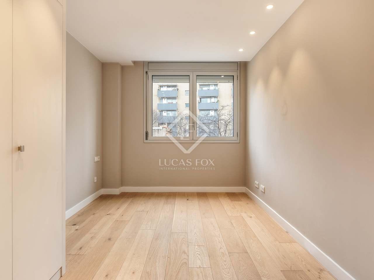 piso de 66m con terraza de 58m en venta en poblenou. Black Bedroom Furniture Sets. Home Design Ideas