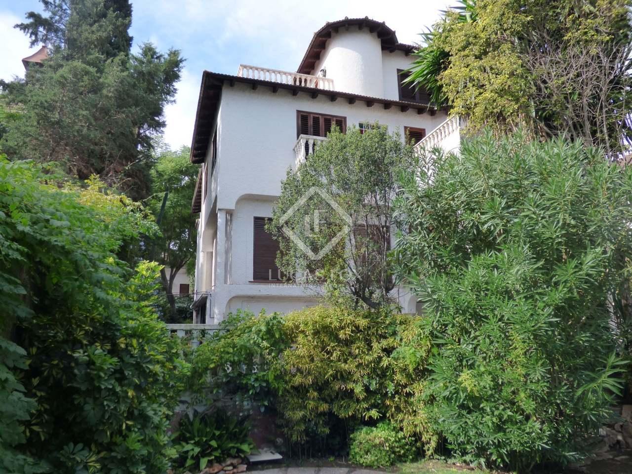 Cl sica villa de rocafort con jard n y piscina en valencia Villa jardin donde queda