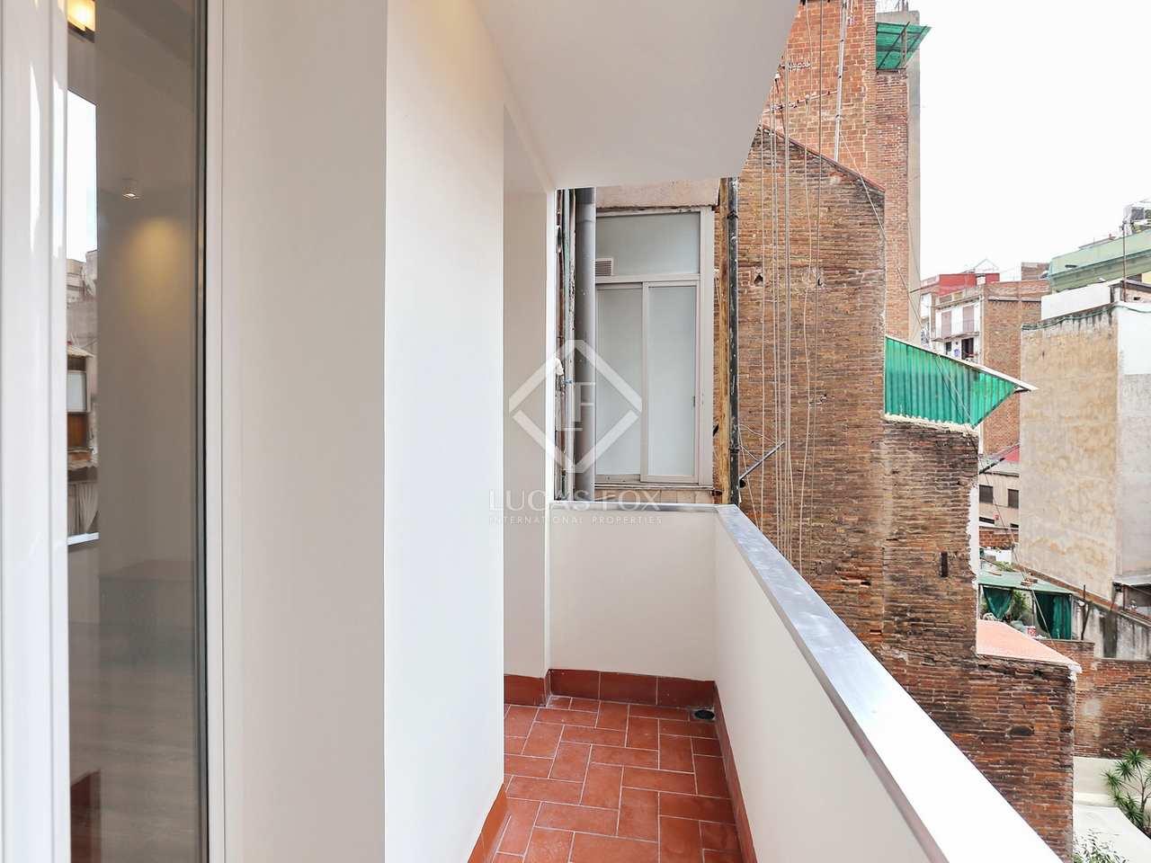 Appartement de 65m a vendre poble sec barcelone for Appartement avec piscine barcelone