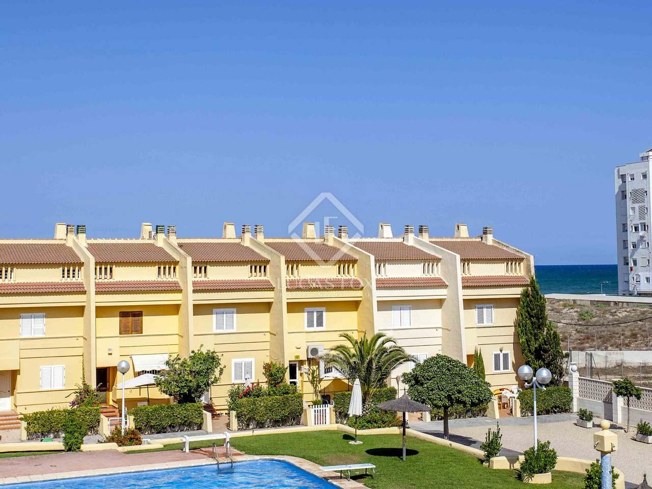 Villa de 150 m en venta en el perellonet valencia for Villas valencia