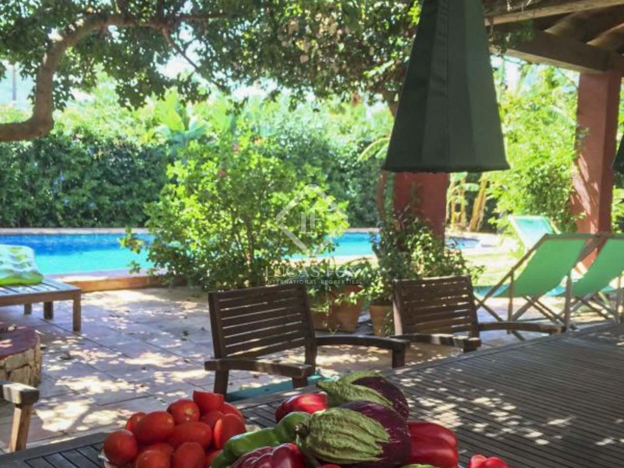 Preciosa villa de estilo colonial en venta en d nia for Jardin villa bonita culiacan