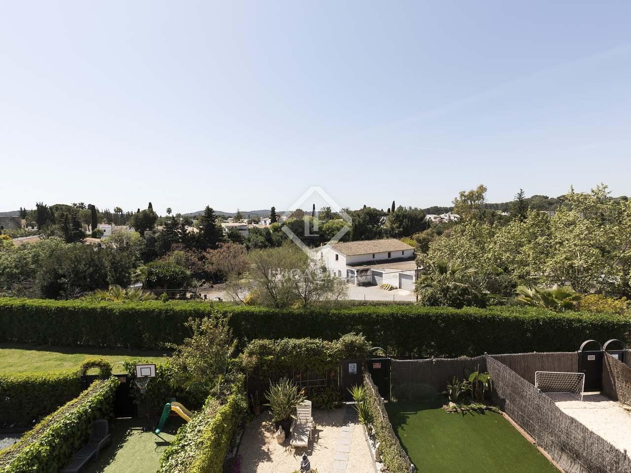 Casa de 220m con 80m de jard n en venta en sant pere ribes for Piscina sant pere de ribes
