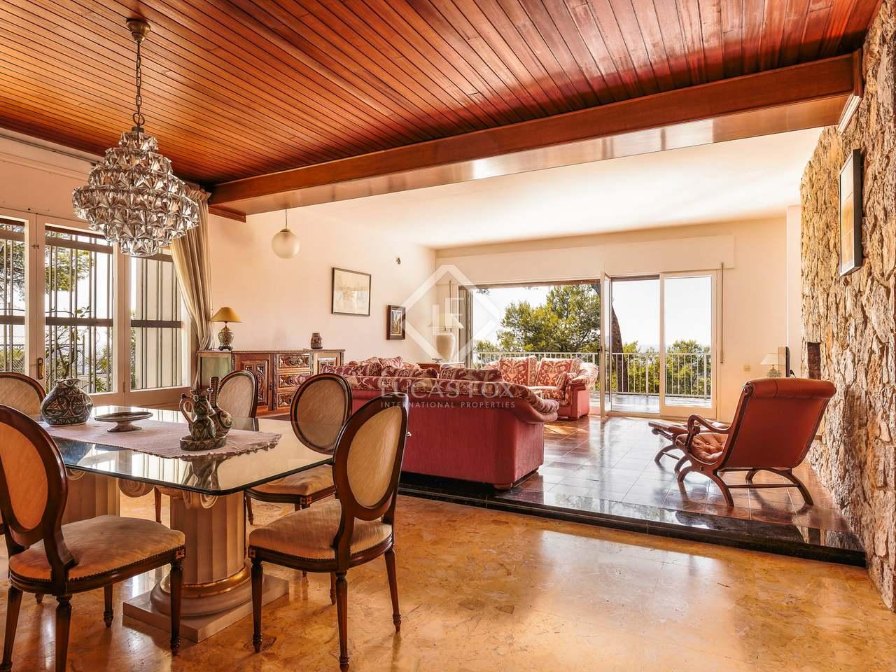 maison villa de 472m a vendre castelldefels barcelone. Black Bedroom Furniture Sets. Home Design Ideas