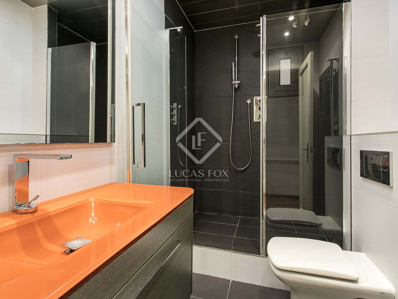 Rooms To Rent In Uptown Barcelona