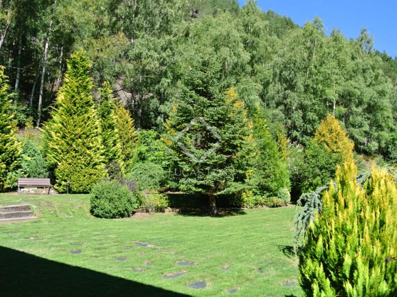 Maison villa de 450m a vendre la massana avec 800m for Jardin anglais caracteristiques