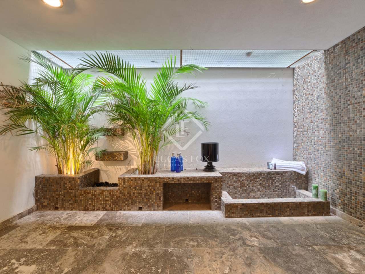 446m haus villa mit 226m terrasse zum verkauf in nueva andaluc a. Black Bedroom Furniture Sets. Home Design Ideas