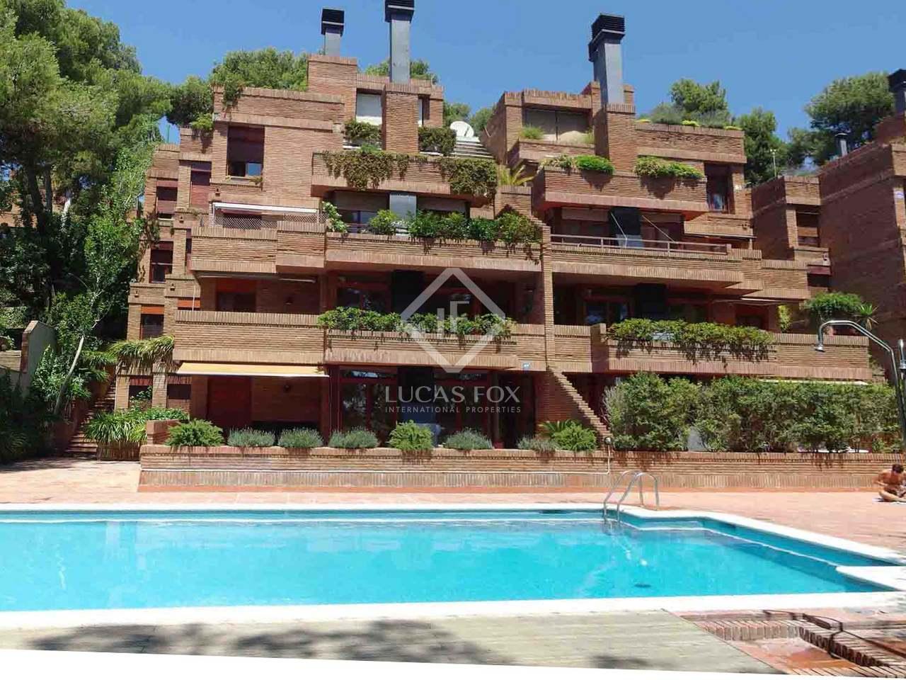 Elegante y se orial piso en la mejor zona residencial de for Pisos sant just