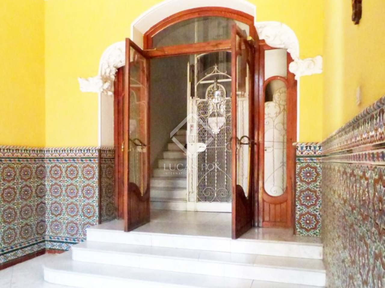 Loft apartment to buy and renovate plaza del ayuntamiento - Loft valencia ...