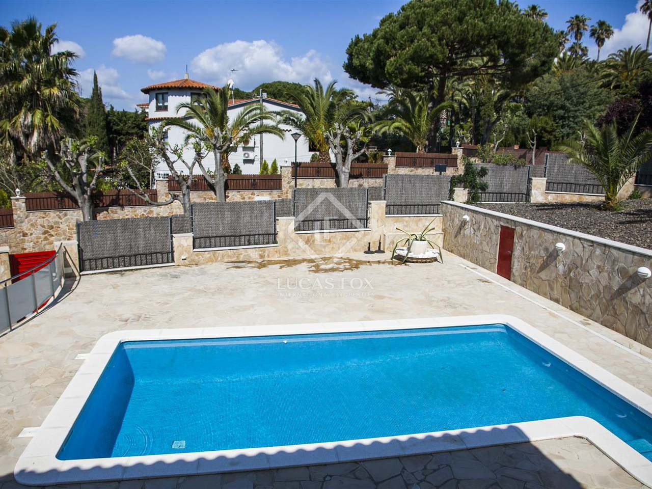 costa brava villa to sell in montgoda near lloret de mar. Black Bedroom Furniture Sets. Home Design Ideas
