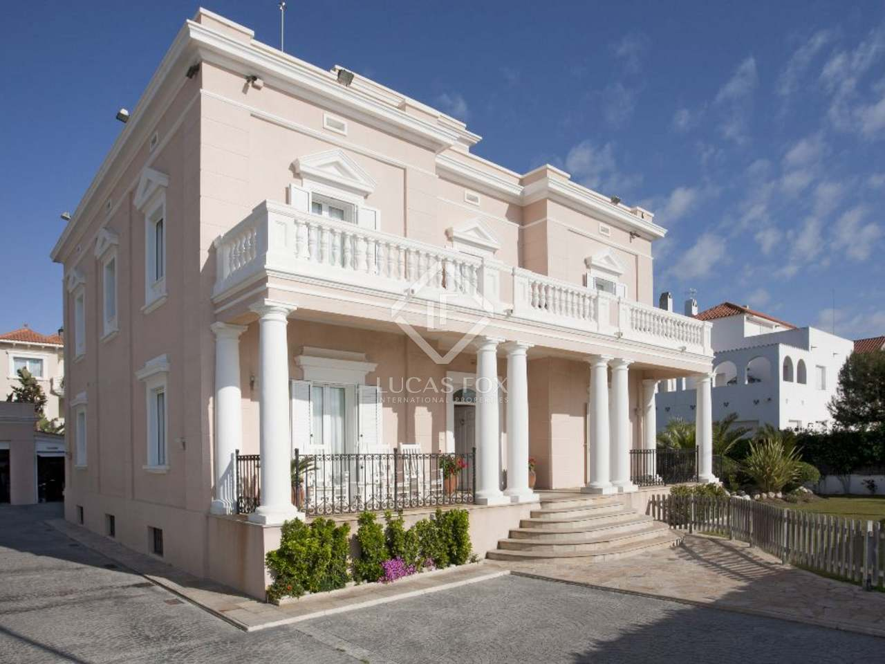 First Line Luxury Villa For Sale In Sitges Near Barcelona
