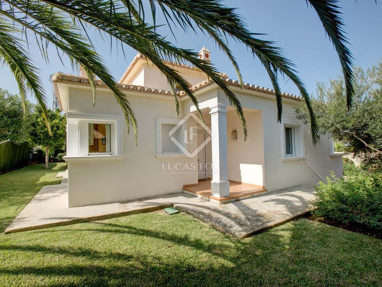 Villa de 174m con jard n y piscina en alquiler en d nia for Jardin villa bonita culiacan