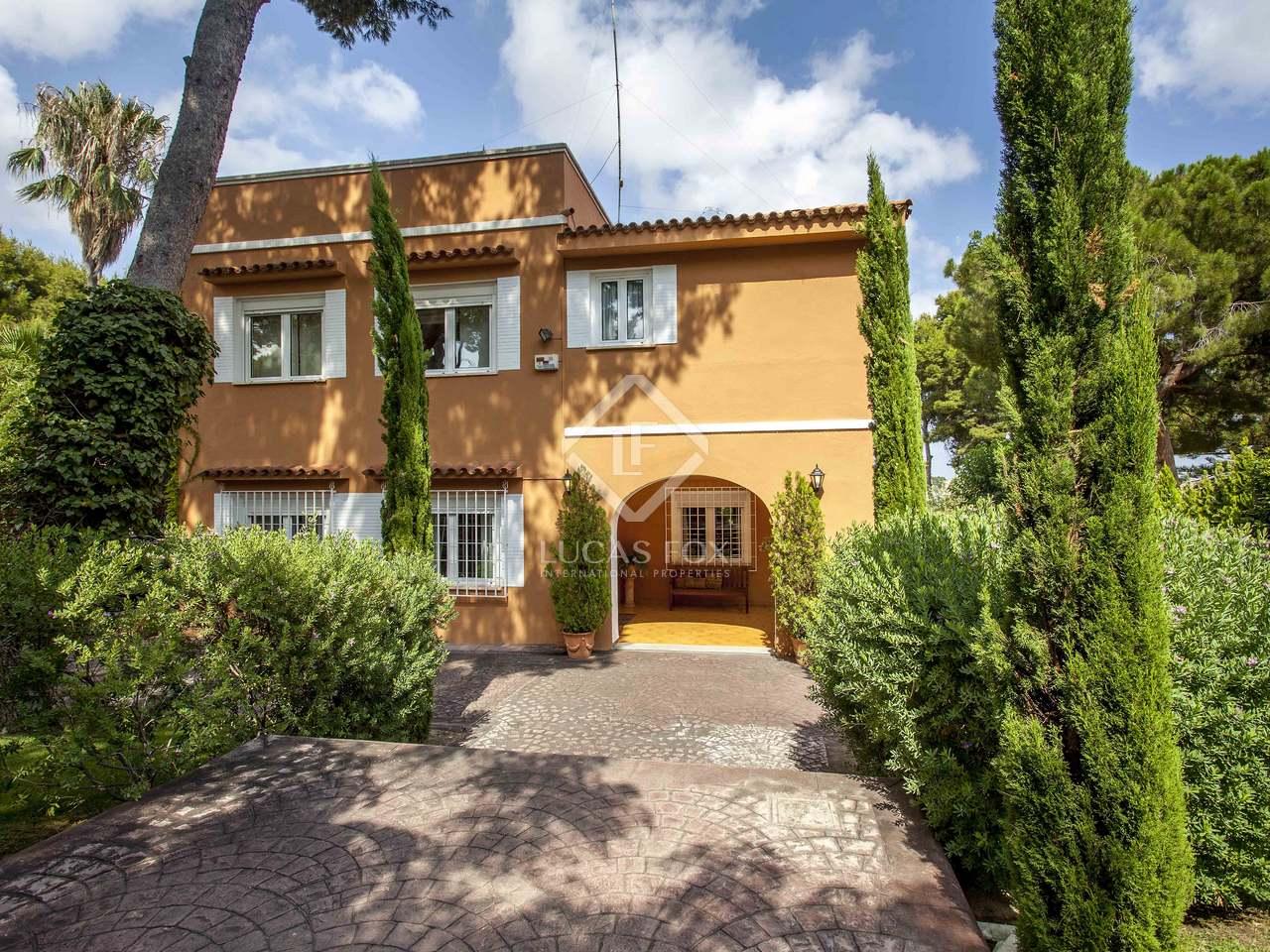 Villa de 532 m en venta en godella valencia for Villas valencia