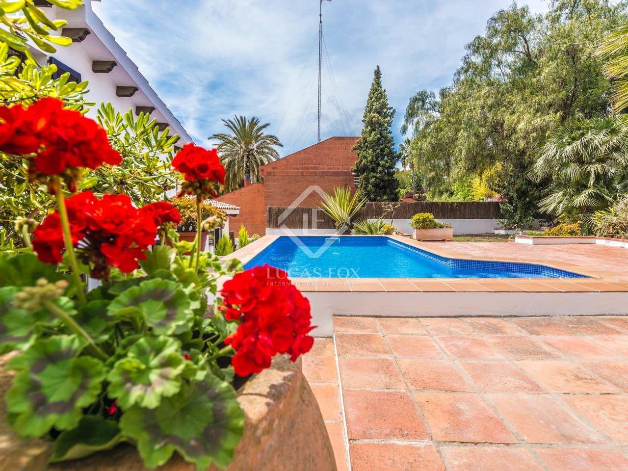 Casa de 4 dormitorios con piscina en venta en vallpineda for Jardin villa bonita culiacan