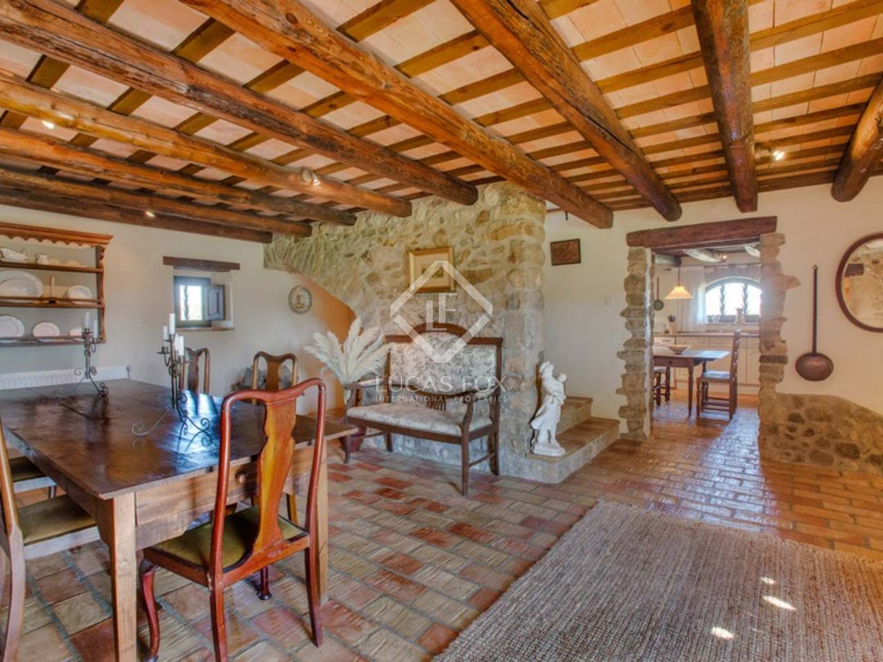 Renovated country house in the baix empord for sale for Buy guest house
