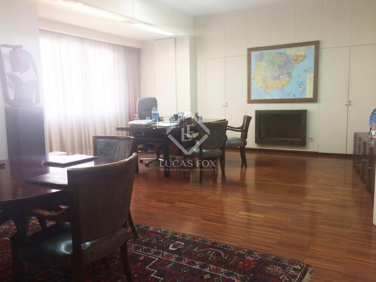 Apartamento de 345m en venta en sant francesc valencia for Oficinas prop valencia
