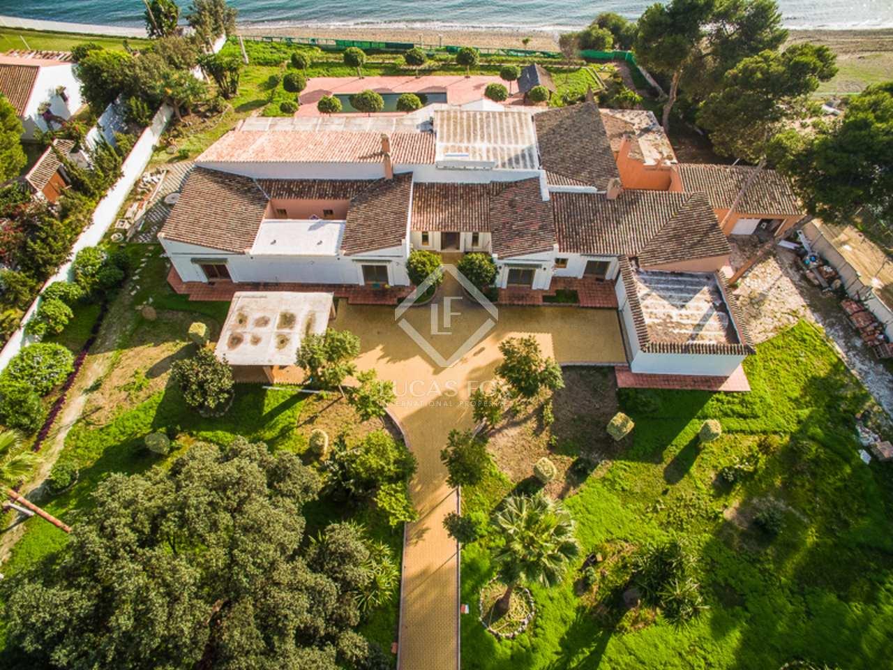 700m haus villa zum verkauf in new golden mile los flamingos. Black Bedroom Furniture Sets. Home Design Ideas