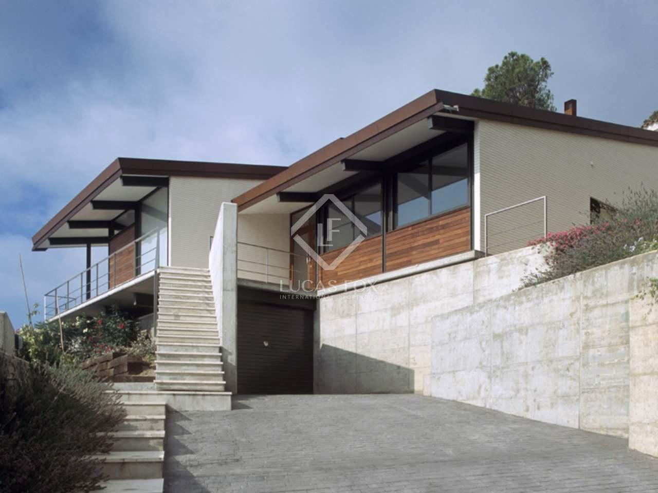 Luxury House in Spain: Modern Architecture in Sant Feliu De GuiXols