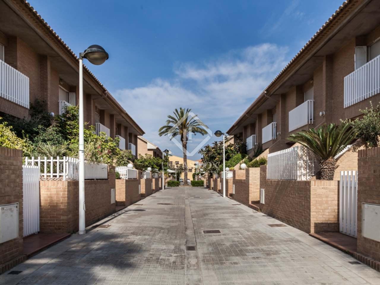 263m haus villa mit 70m terrasse zum verkauf in patacona alboraya. Black Bedroom Furniture Sets. Home Design Ideas