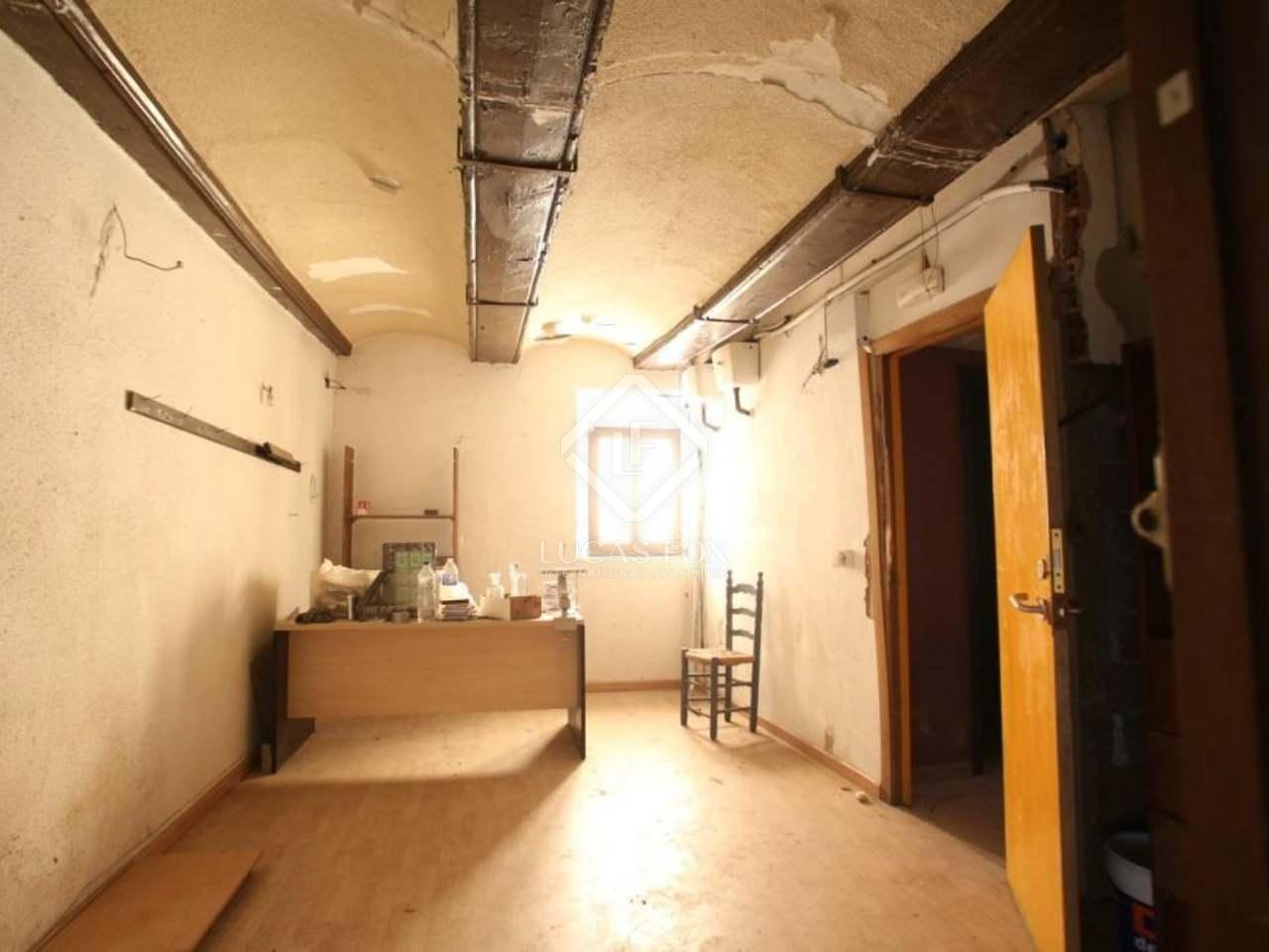 Edificio hist rico en venta en la ciudad vella de valencia for Oficinas prop valencia