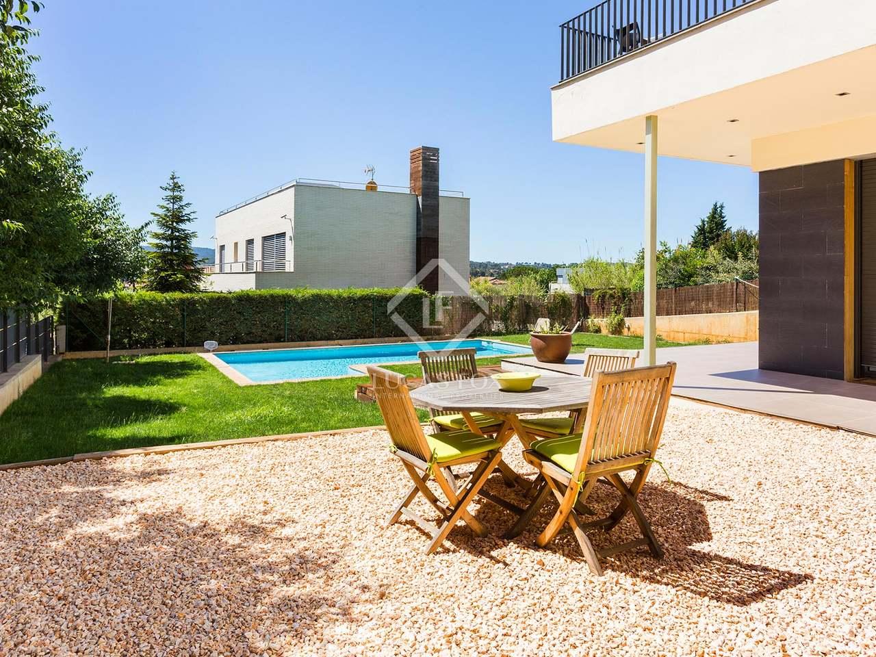 Moderne maison en vente sant cugat pr s de barcelone - Piscines sant cugat ...