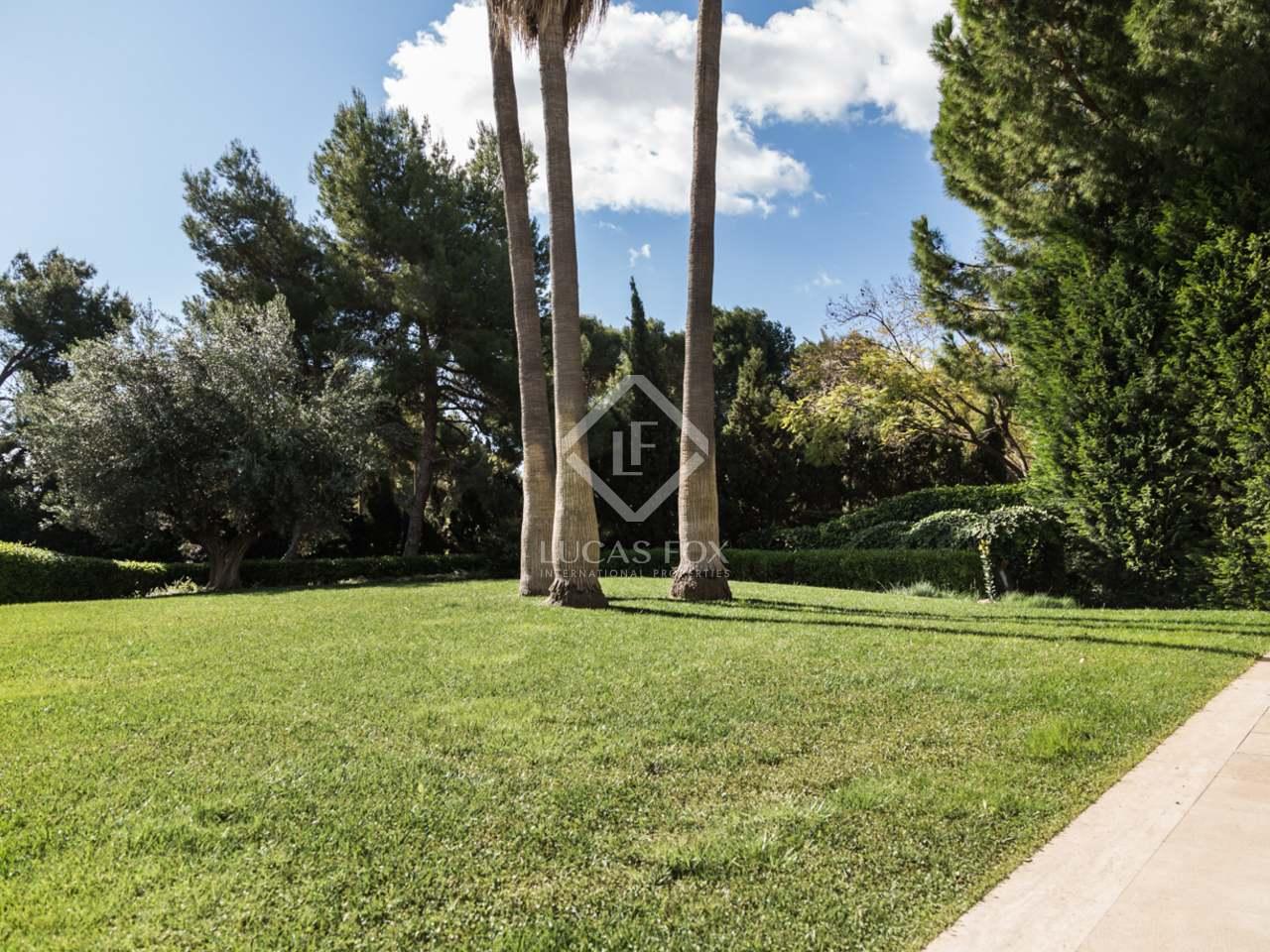 Maison villa de 719m a vendre godella rocafort avec for Jardin anglais caracteristiques