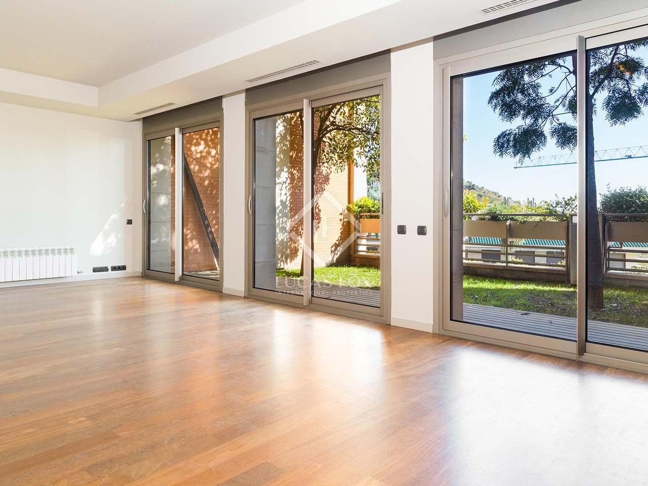 belle maison louer la zona alta de barcelone. Black Bedroom Furniture Sets. Home Design Ideas