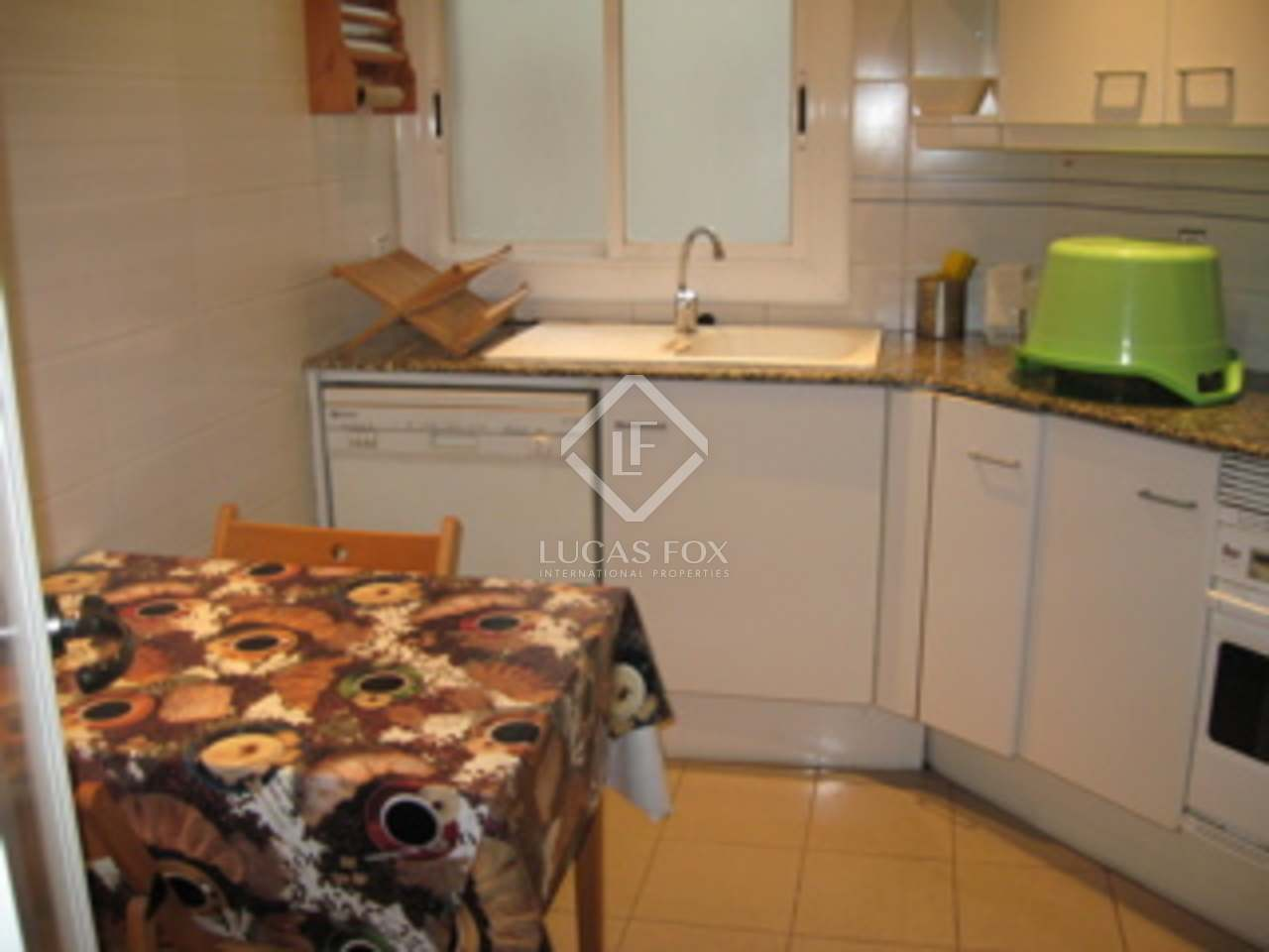 100m apartment for rent in eixample right barcelona for Kitchen gadgets barcelona