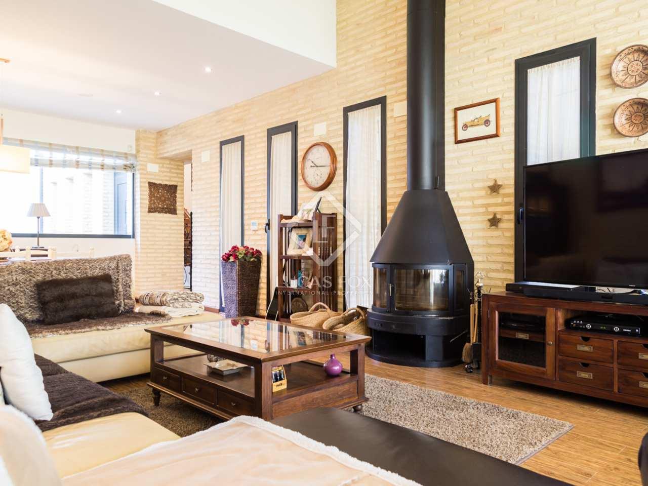 Mediterranean Style Villa For Sale In Exclusive Monasterios: mediterranean home decor for sale