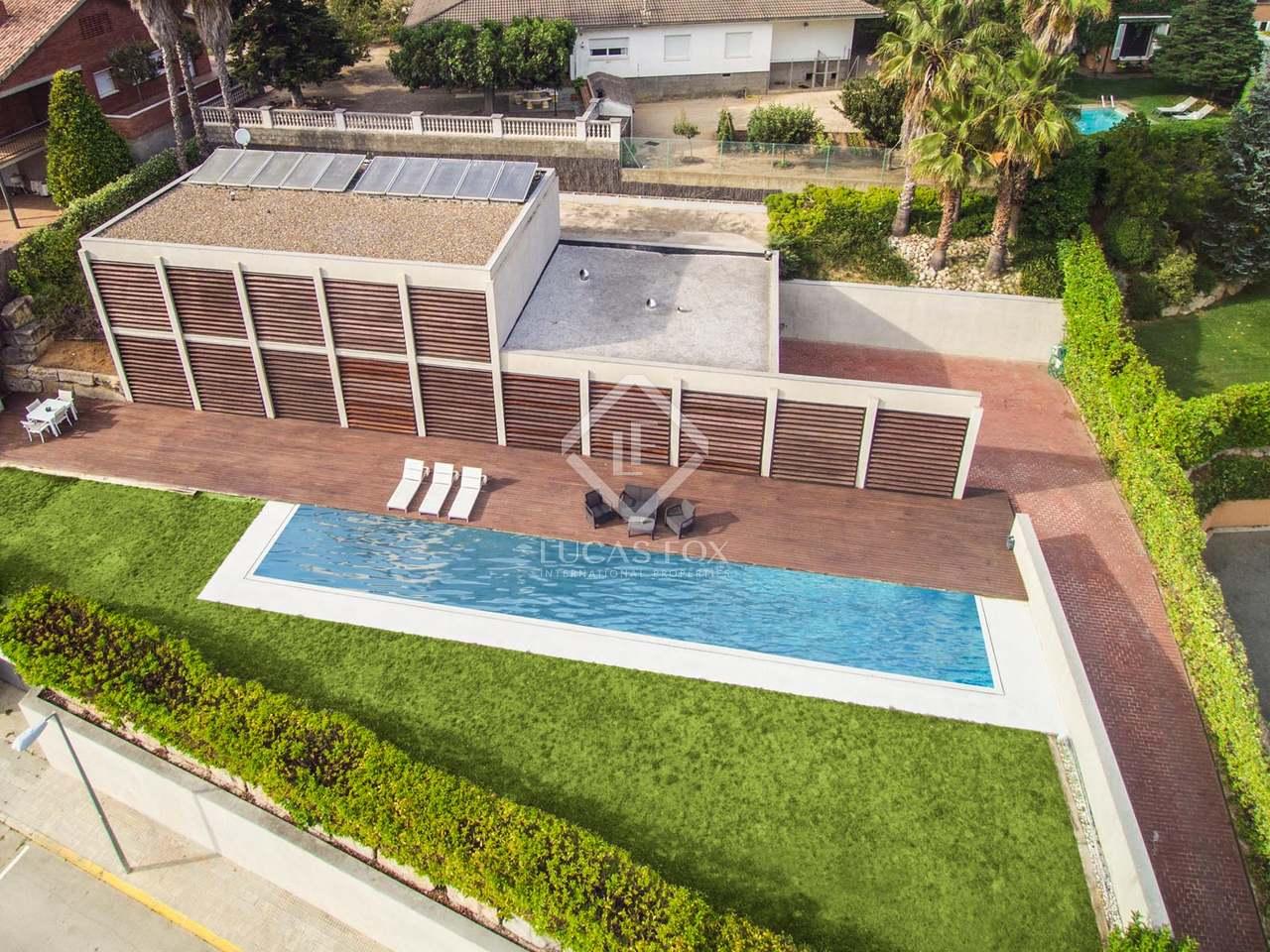 Casa con 3 dormitorios y piscina en venta en vallromanes Villa jardin donde queda
