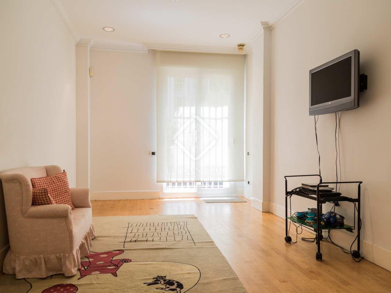 435m wohnung mit 370m garten zum verkauf in el pla del real. Black Bedroom Furniture Sets. Home Design Ideas