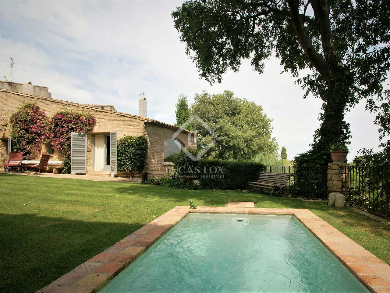 Huis villa van 300m te koop met 217m tuin in baix emporda for Huis te koop borgerhout met tuin