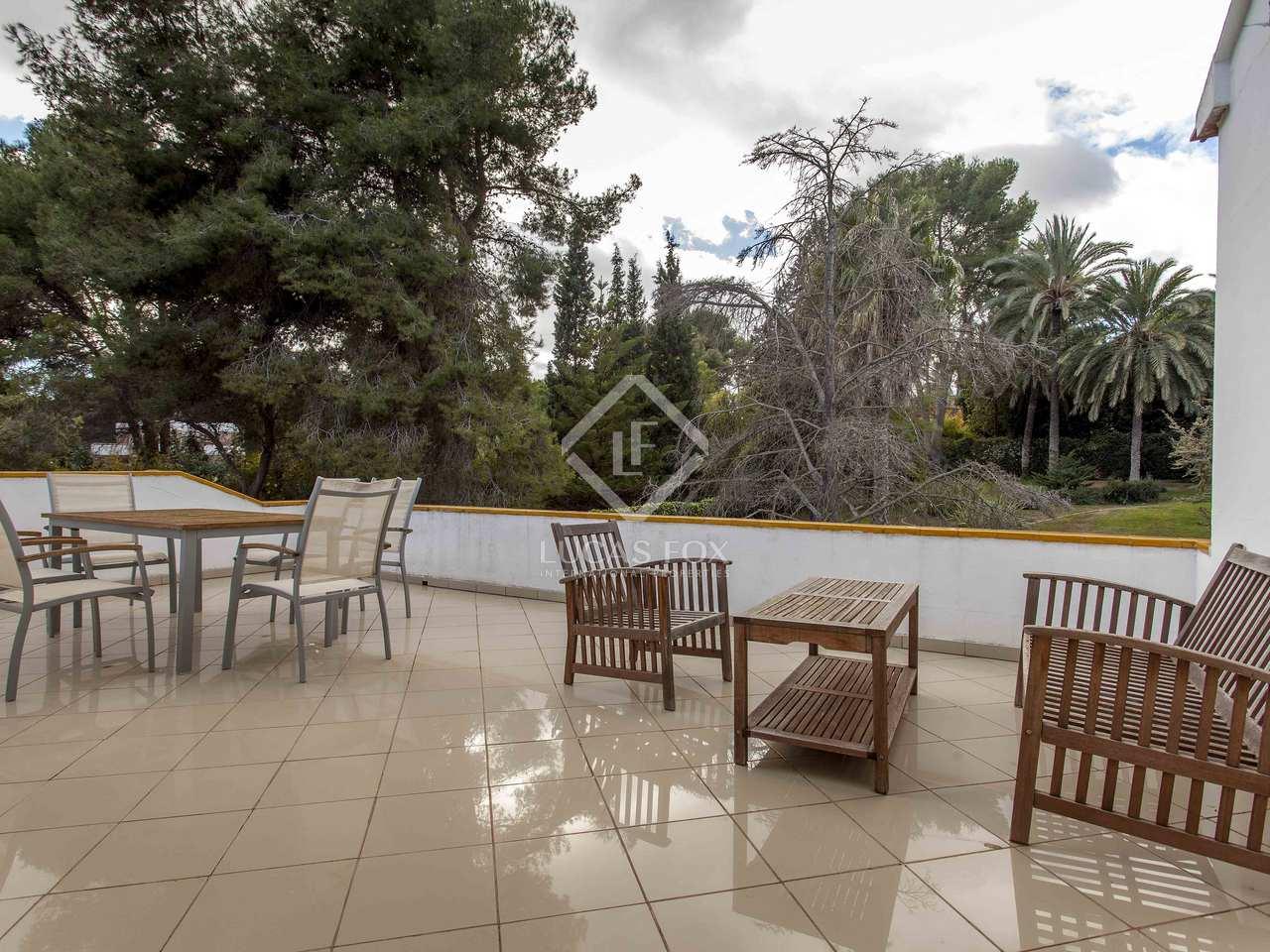 Villa de 290 m en venta en rocafort valencia for Villas valencia
