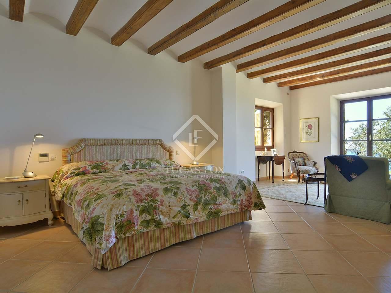 maison de luxe en vente pr s de dei au nord ouest de majorque. Black Bedroom Furniture Sets. Home Design Ideas