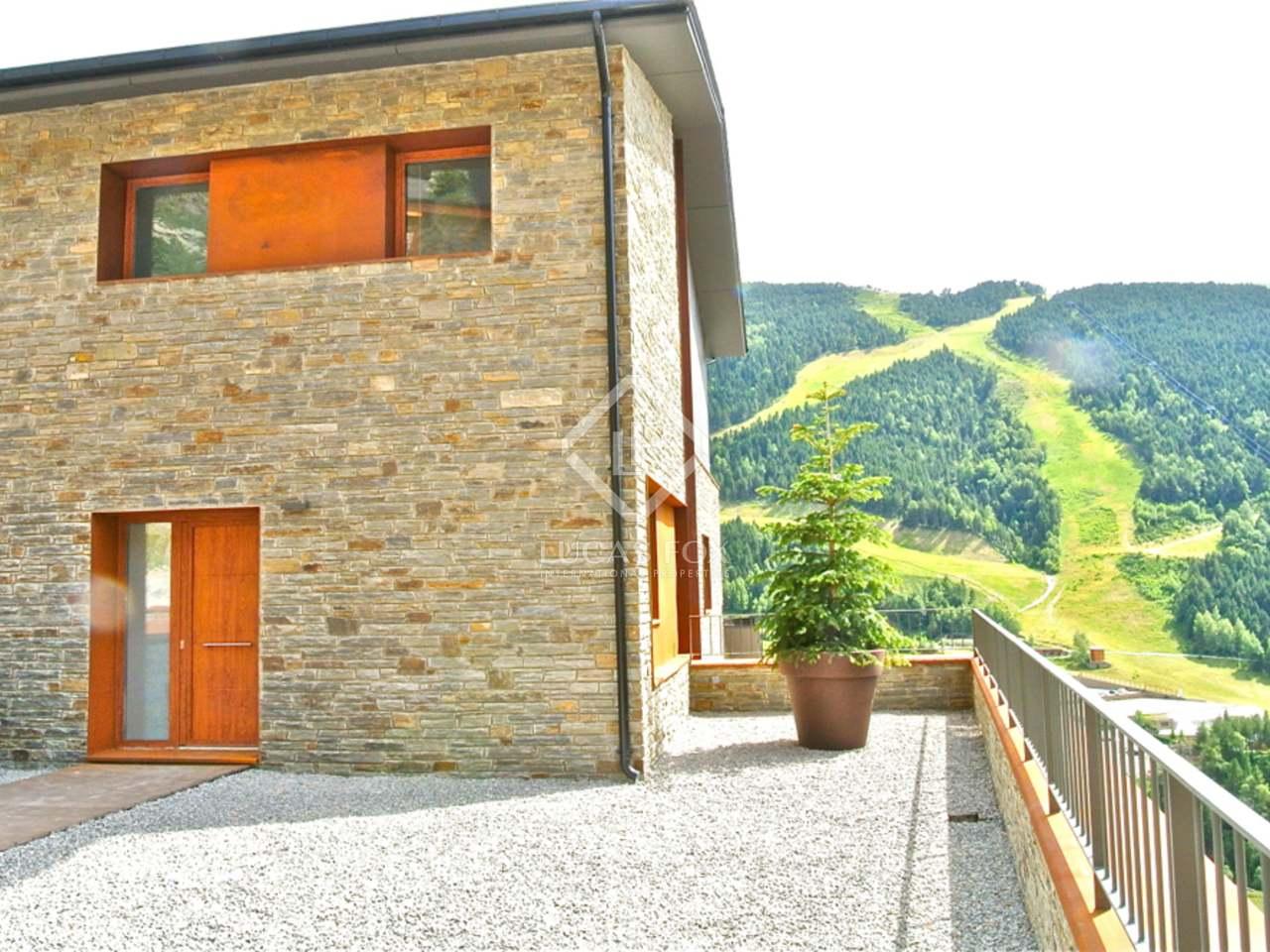 286m haus villa mit 178m terrasse zum verkauf in skigebiet grandvalira. Black Bedroom Furniture Sets. Home Design Ideas