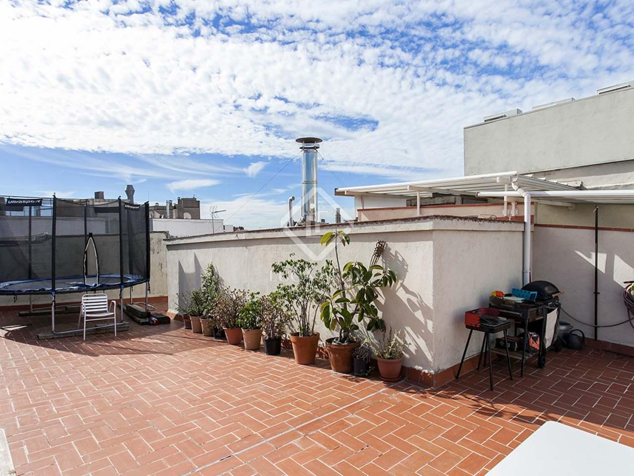 Appartement de 150m a louer el born avec 15m terrasse for Appartement a louer a barcelone avec piscine