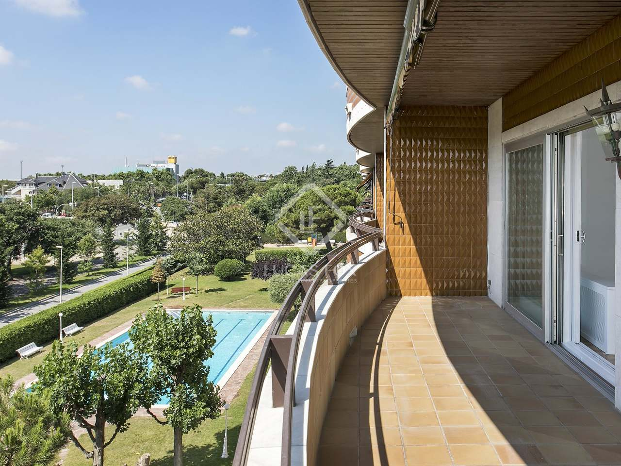 Appartement de 175m a louer les corts barcelone for Appartement avec piscine barcelone